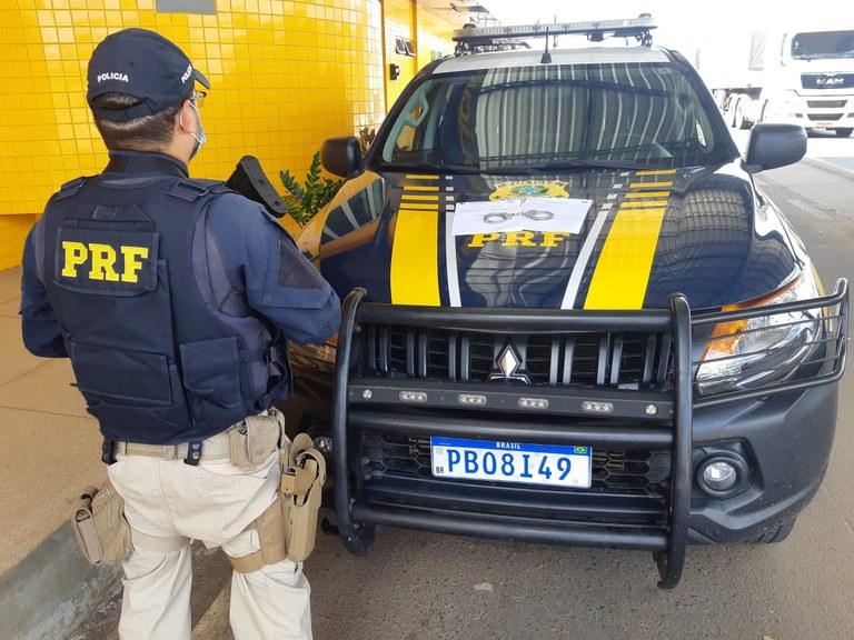 PRF prende mulher acusada de estelionato em Floriano- Crédito: PRF