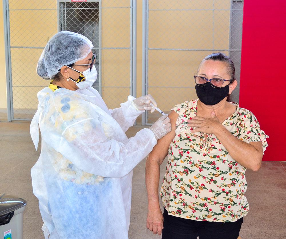 Joaquim Pires inicia imunização do público entre 55 a 59 anos - Imagem 12