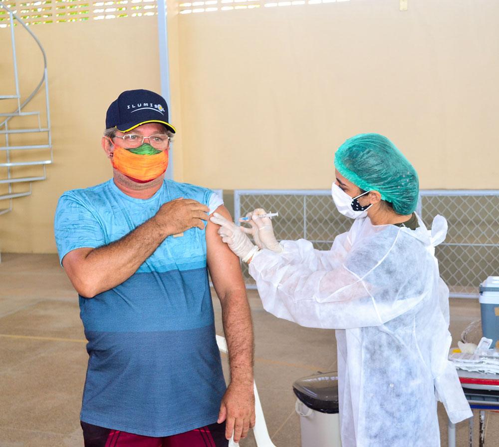 Joaquim Pires inicia imunização do público entre 55 a 59 anos - Imagem 9