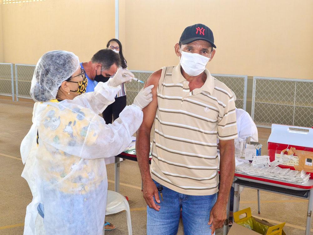 Joaquim Pires inicia imunização do público entre 55 a 59 anos - Imagem 2