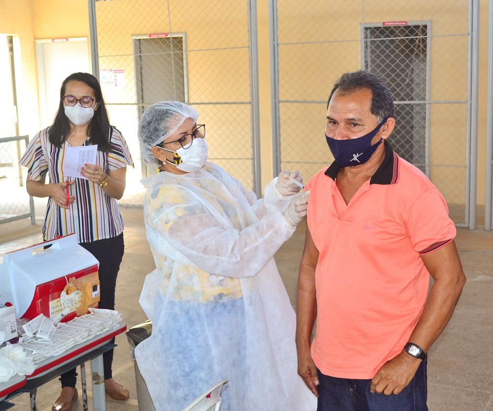 Joaquim Pires inicia imunização do público entre 55 a 59 anos - Imagem 11
