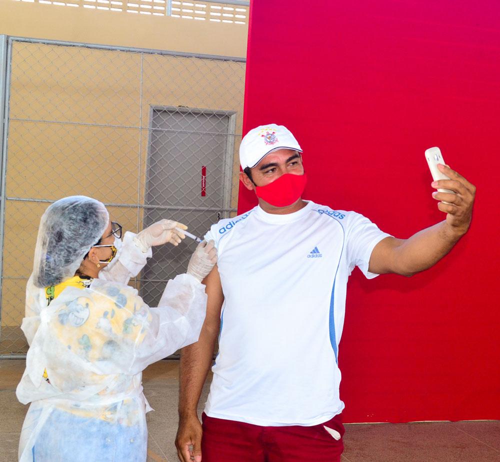 Joaquim Pires inicia imunização do público entre 55 a 59 anos - Imagem 21
