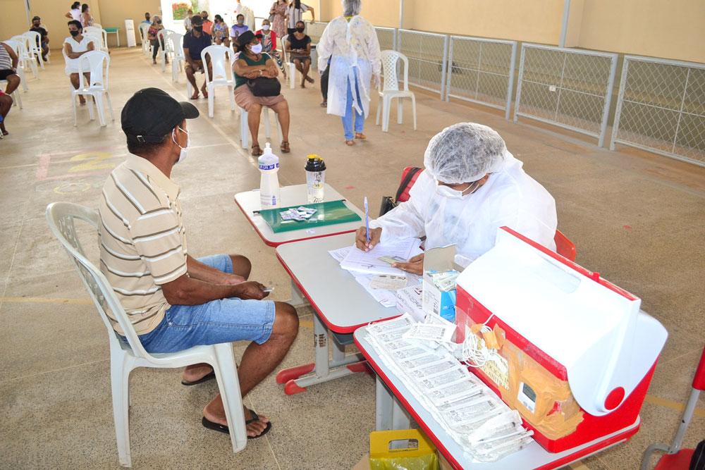 Joaquim Pires inicia imunização do público entre 55 a 59 anos - Imagem 3