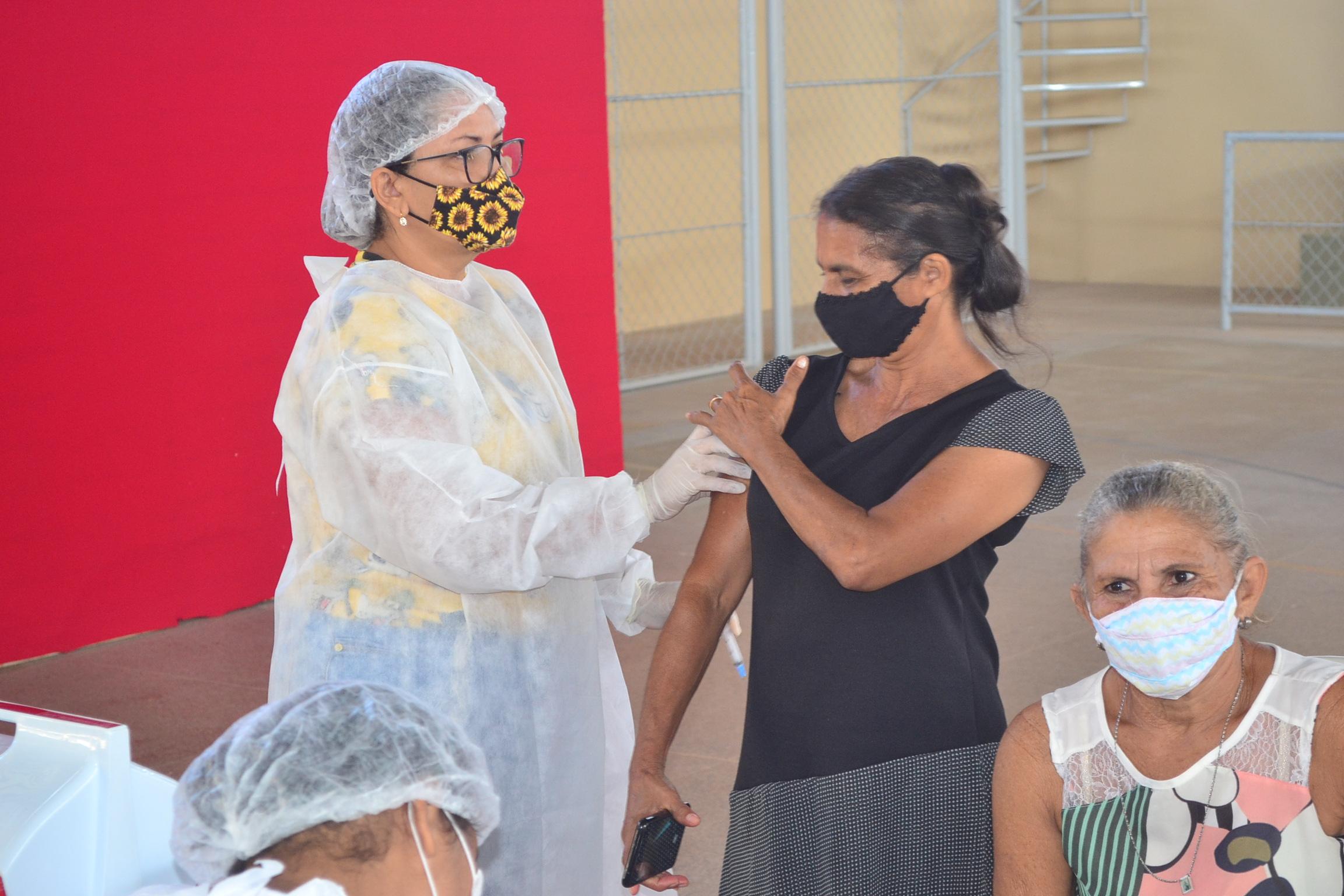 Joaquim Pires inicia imunização do público entre 55 a 59 anos - Imagem 7