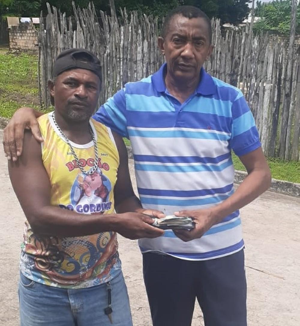 Lavrador Laudenir se encontrou com policial e devolveu a carteira com R$ 3.800 — Foto: Arquivo pessoal