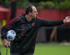 Recuperado da Covid-19, Rogerio Ceni retorna com treinos no Flamengo