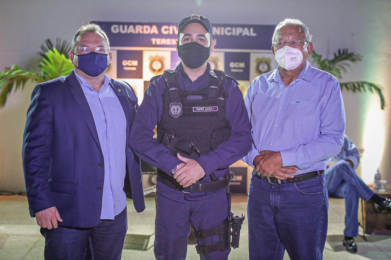 Prefeitura empossa novo comandante da GCM em Teresina (Foto: Lucas Dias/ Semcom)