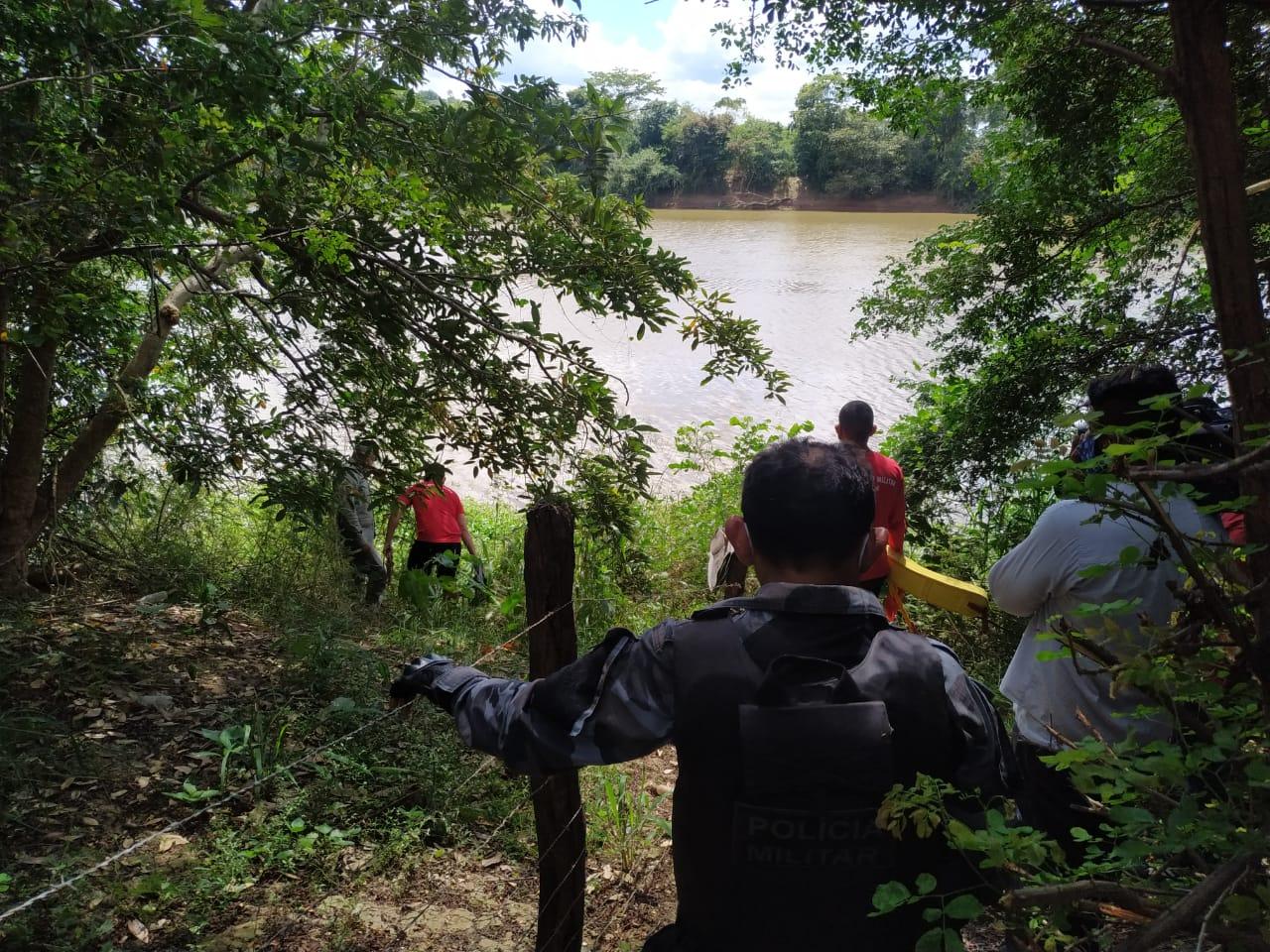 Corpo de Bombeiros fez a remoção do corpo - Foto: Portal MN