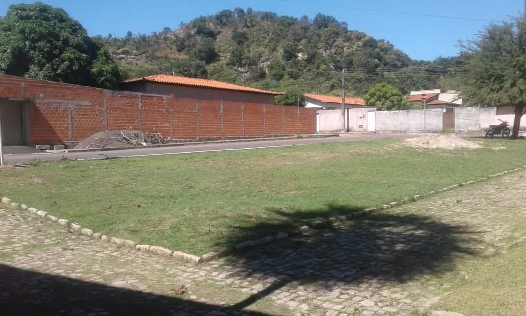 Prefeito João Luiz mantendo sua marca de cidade limpa em Monsenhor Gil - Imagem 3