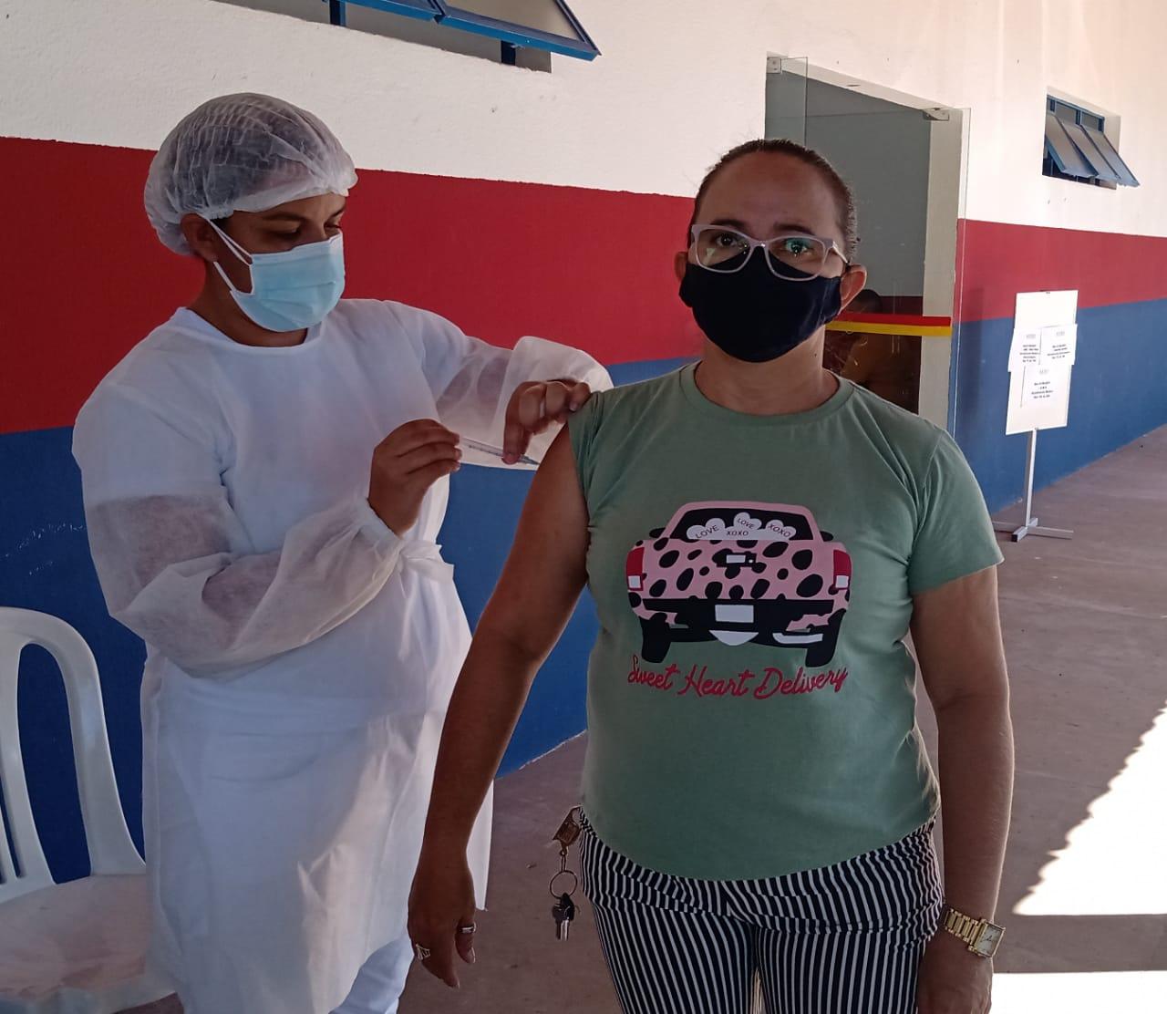 Saúde de Agricolândia iniciou a vacina dos professores contra COVID-19 - Imagem 2