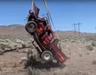 "Youtubers jogam Toyota Hilux a 3 mil metros de altura para ""testar""; vídeo"