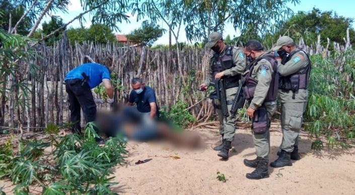 Moradores da cidade passavam pelo local quando avistaram o corpo e acionaram a polícia - Foto: Reprodução/Piauí em Dia