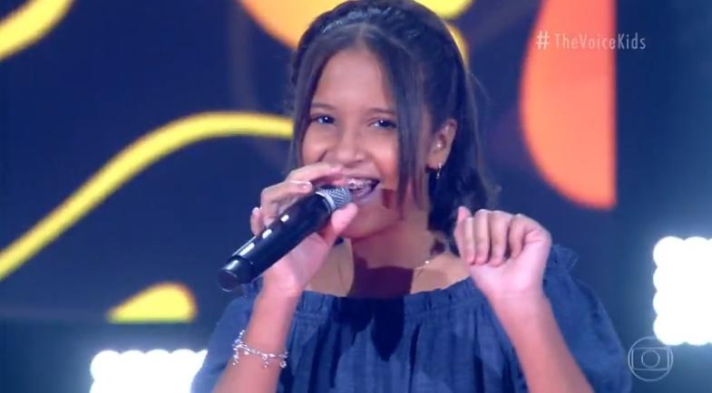 Teresinense Isa Luz durante apresentação no The Voice Kids - Imagem: Reprodução/TV Globo