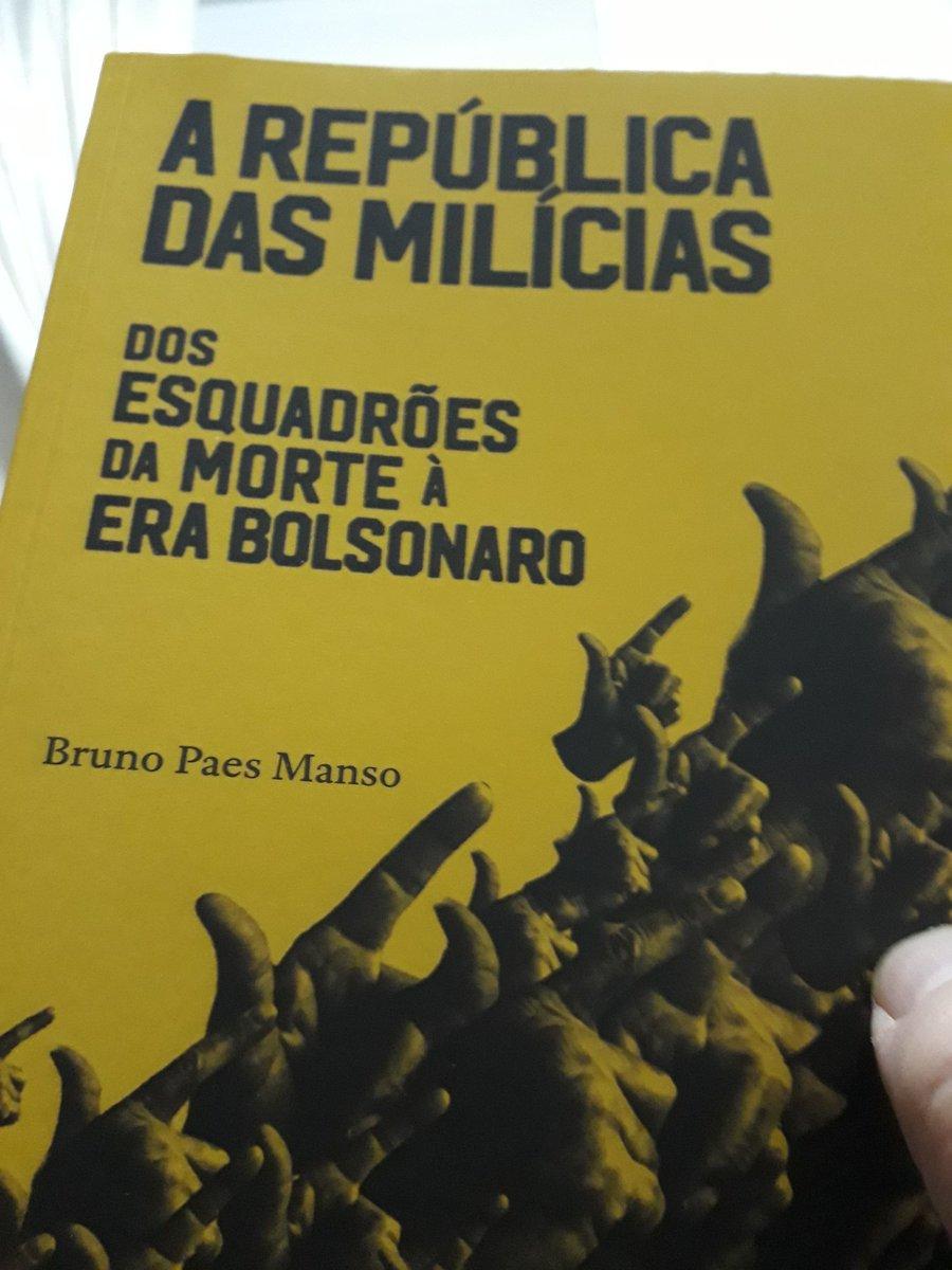 """Livro """"A República das Milícias"""""""