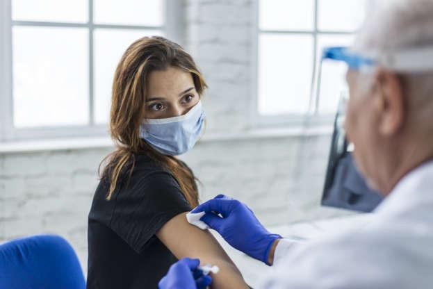 Vacina não representa risco de problemas durante o período menstrual (Foto: Reprodução)