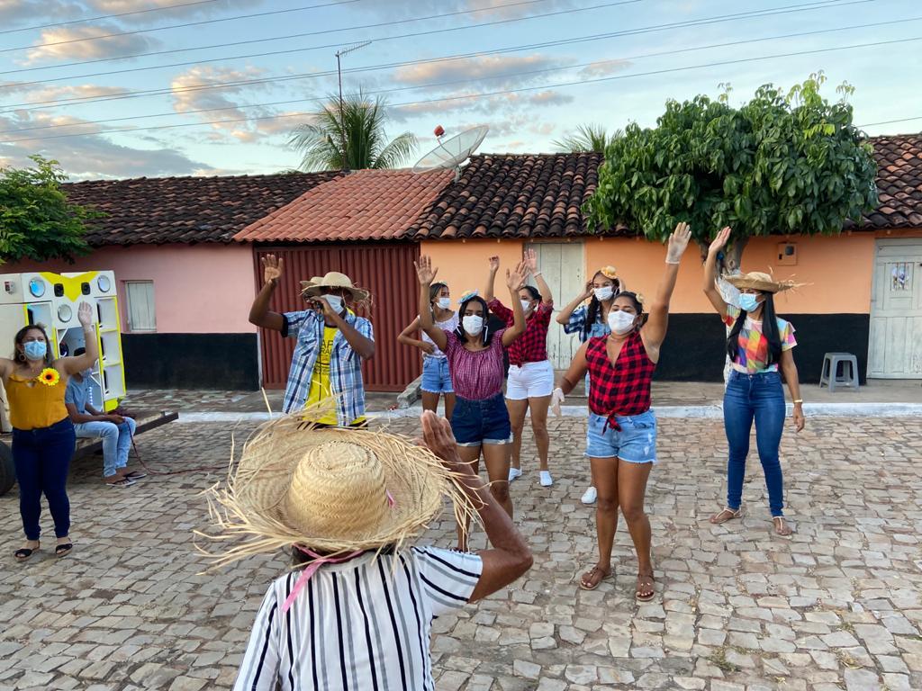 """Assistência Social de Campinas do Piauí realiza """"Arraiá Social dos Idosos"""" - Imagem 3"""