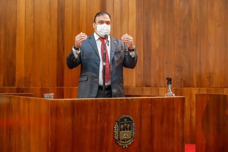 Ziza Carvalho defende prioridades para profissionais de telecomunicações e advogados (Thiago Amaral)