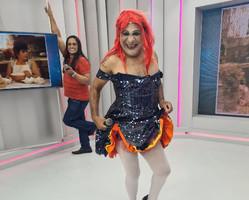 Chupetinha interpreta a cantora Cyndi Lauper que completa hoje 68 anos