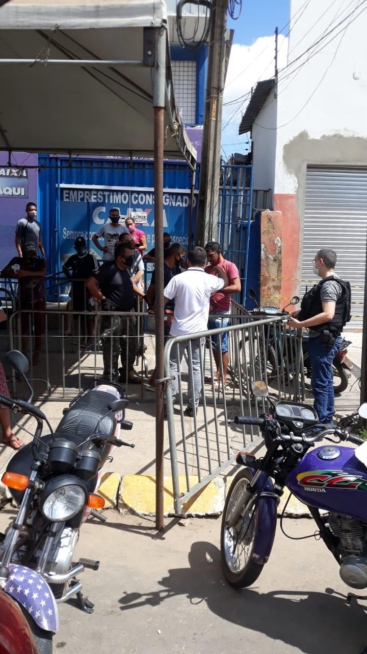 Homem é preso em fila de agência bancaria em Timon