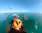 Surfista grava o próprio desespero ao fugir de tubarão que se aproximou
