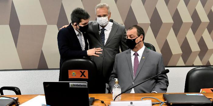 Renan Calheiros diz que CPI pode pedir prisão de Onyx Lorenzoni