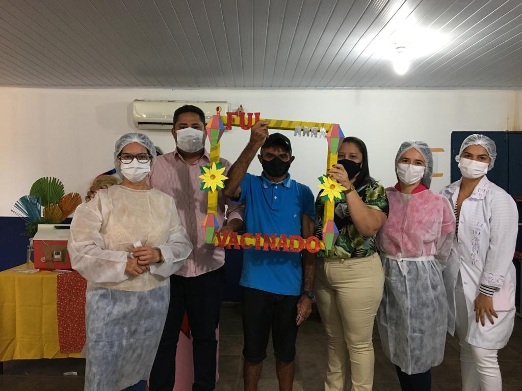 Prefeitura e Secretaria realiza mutirão de vacinação contra a COVID-19 - Imagem 6