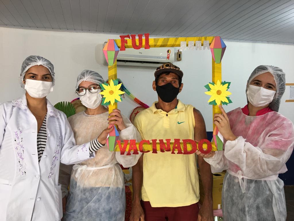 Prefeitura e Secretaria realiza mutirão de vacinação contra a COVID-19 - Imagem 4