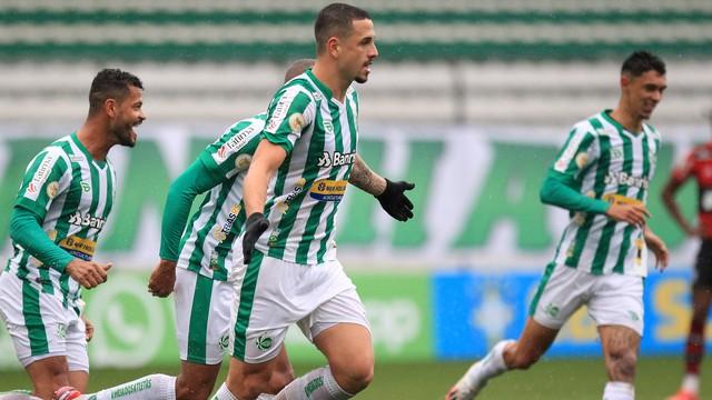 Matheus Peixoto comemora gol do Juventude (Foto: Arthur Dallegrave/EC Juventude)