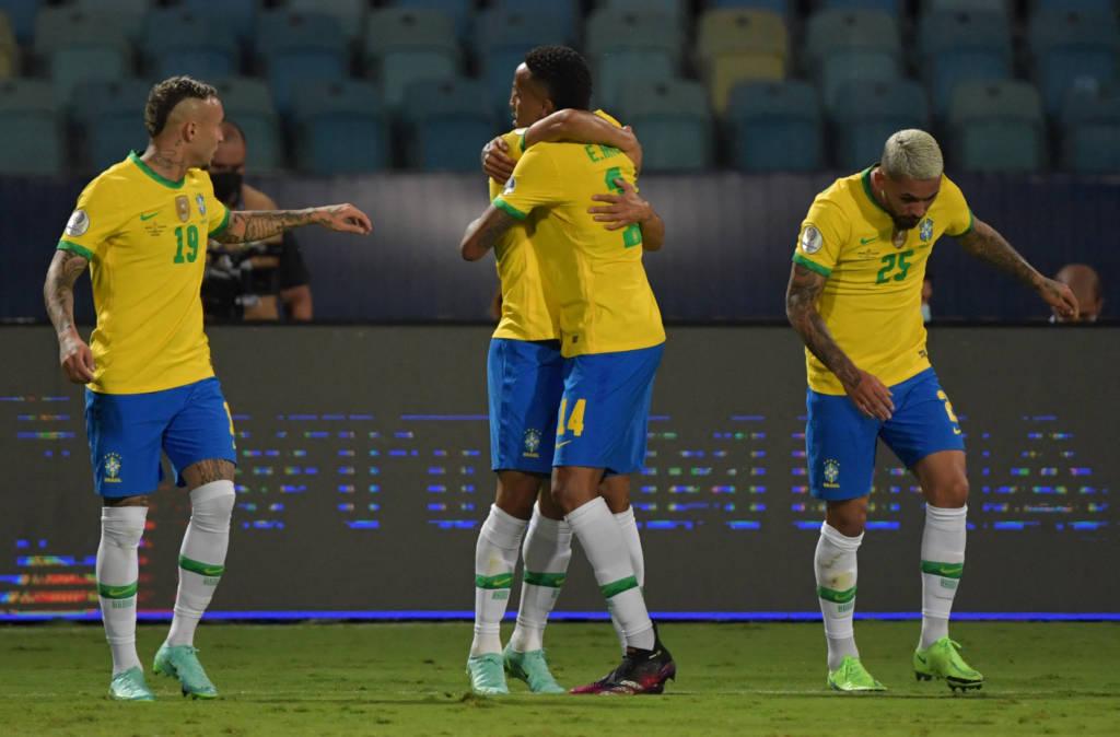 Seleção perde 100% de aproveitamento após empate - Foto: Nelson Almeida/AFP