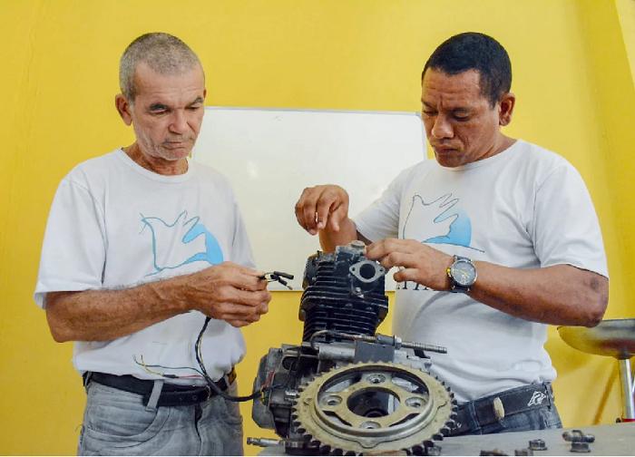 O trabalho da entidade qualifica os assistidos para o mercado de trabalho- Foto: João Allbert