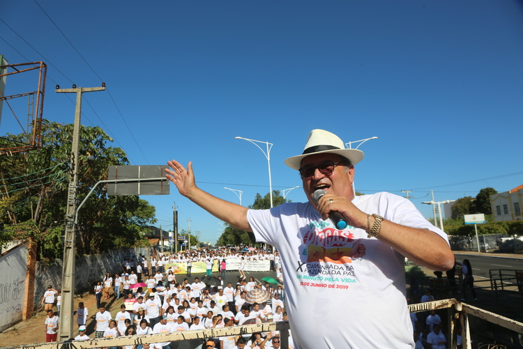 Célio Barbosa, coordenador geral da organização animando uma das caminhas da Fazenda da Paz- Foto: Tirada antes da Pandemia- João Allbert