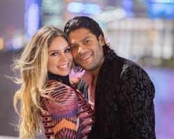 Hulk presenteia mulher com carro avaliado em mais de R$ 1 milhão