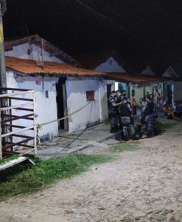 Homem foi preso em flagrante após matar a própria mãe a pedradas em Teresina - Foto: Reprodução