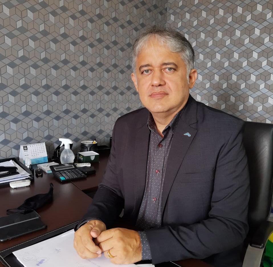 Presidente da Fepiserh, Italo Rodrigues, anuncia cirurgias por vídeo no Hospital Justino Luz, em Picos