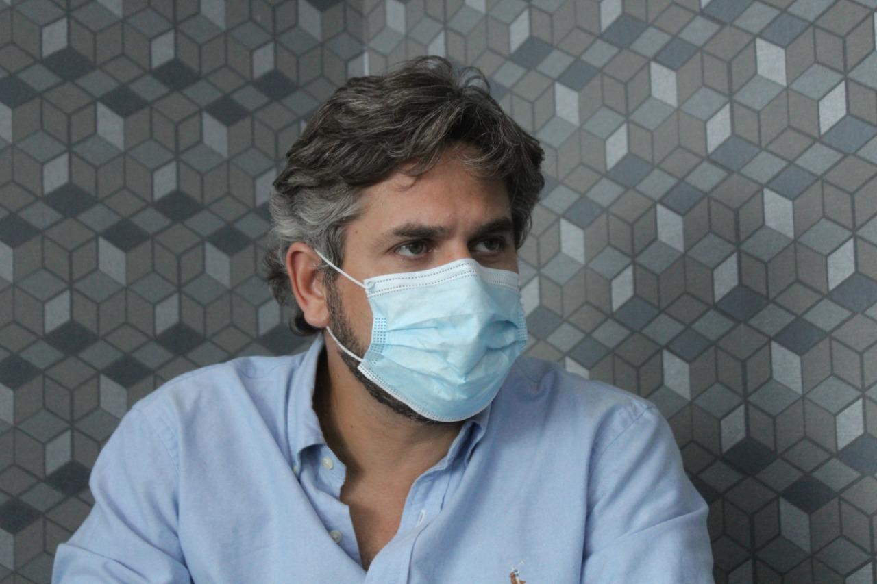 Ex-presidente da Fepiserh, o deputado Pablo Santos, iniciou o projeto de cirurgias por vídeo no Hospital Justino Luz, em Picos
