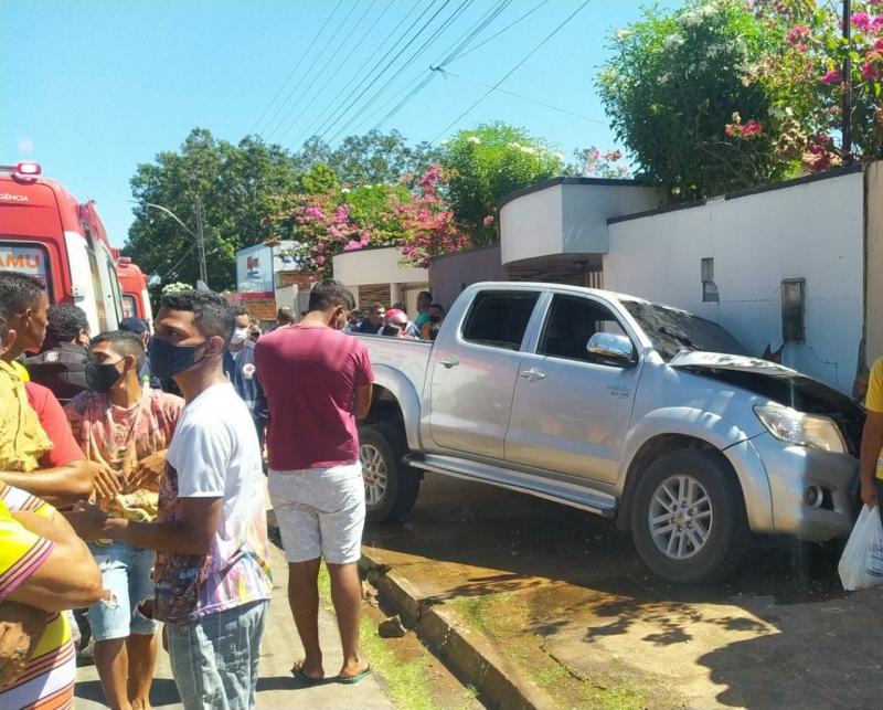 Pai morre após tentar tomar a direção de veículo de filho em Altos (Foto: Reprodução/ WhatsApp)