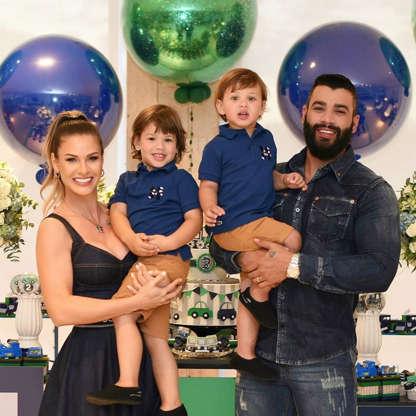 Gustavo Lima, a esposa Andressa Suita e os filhos (Foto: Reprodução/Instagram)