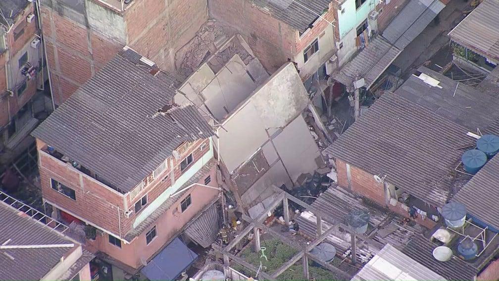 Prédio de quatro andares desabou no Rio das Pedras