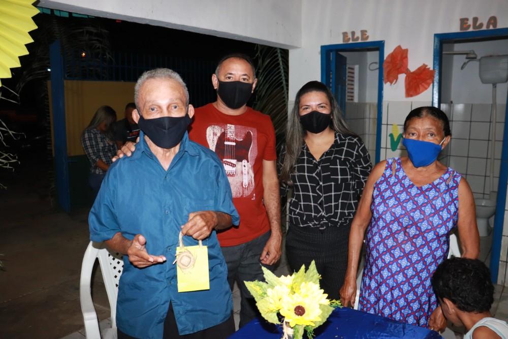 Evento para Apresentar Equipe do CRAS para o Grupo de Idosos em Lagoinha  - Imagem 7