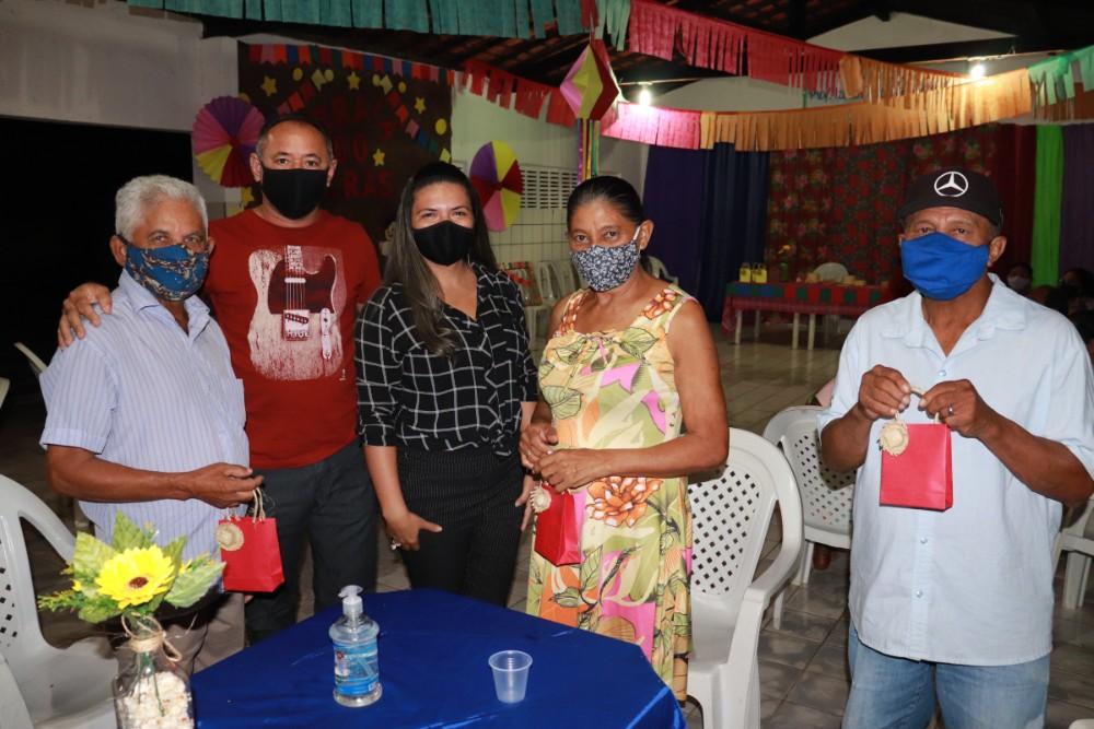Evento para Apresentar Equipe do CRAS para o Grupo de Idosos em Lagoinha  - Imagem 6