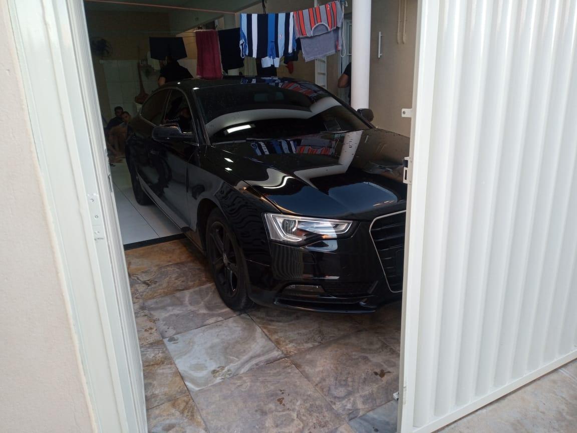 Veículo de luxo foi encontrado na casa de homem alvo da operação - Foto: Divulgação/Polícia Civil