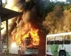 Manaus tem 17 veículos queimados em ataques após traficante morrer