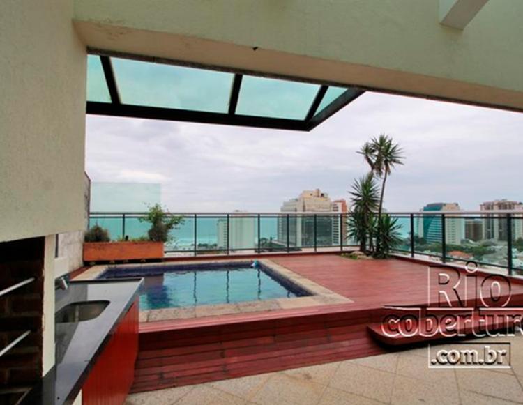 imagem da área privativa da piscina