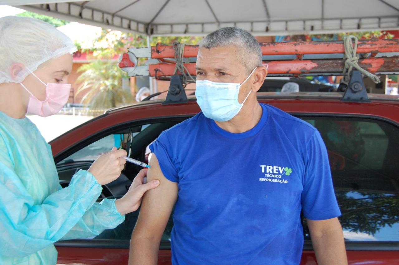 No dia da Imunização, FMS já aplicou mais de 300 mil doses de vacina - Foto: Divulgação/FMS