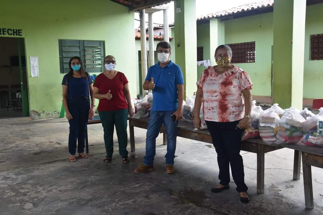 Prefeitura de Monsenhor Gil faz entrega de alimentos da merenda escolar - Imagem 1