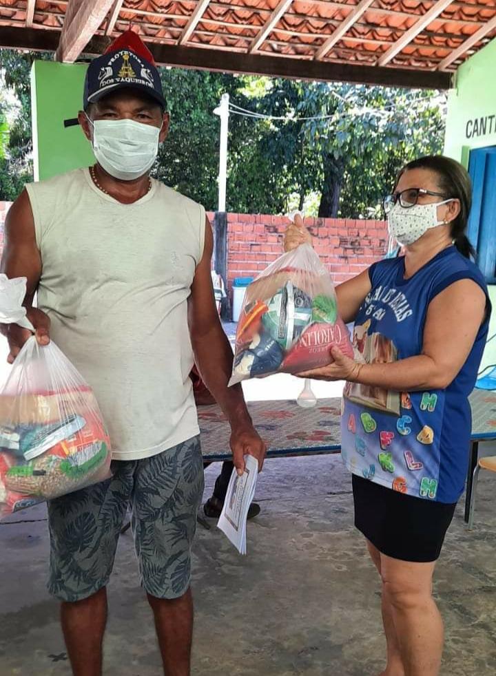 Prefeitura de Monsenhor Gil faz entrega de alimentos da merenda escolar - Imagem 5