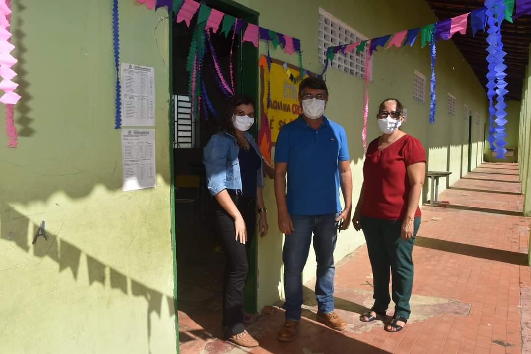 Prefeitura de Monsenhor Gil faz entrega de alimentos da merenda escolar - Imagem 7