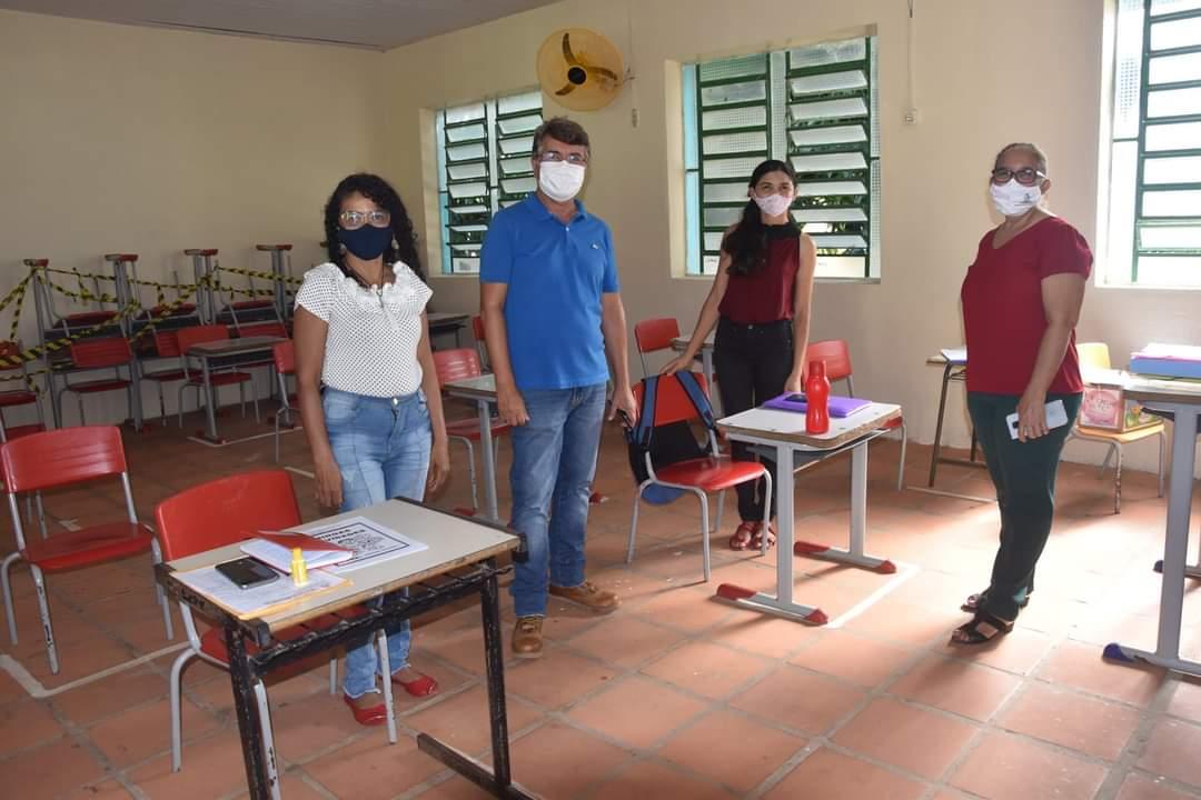 Prefeitura de Monsenhor Gil faz entrega de alimentos da merenda escolar - Imagem 9