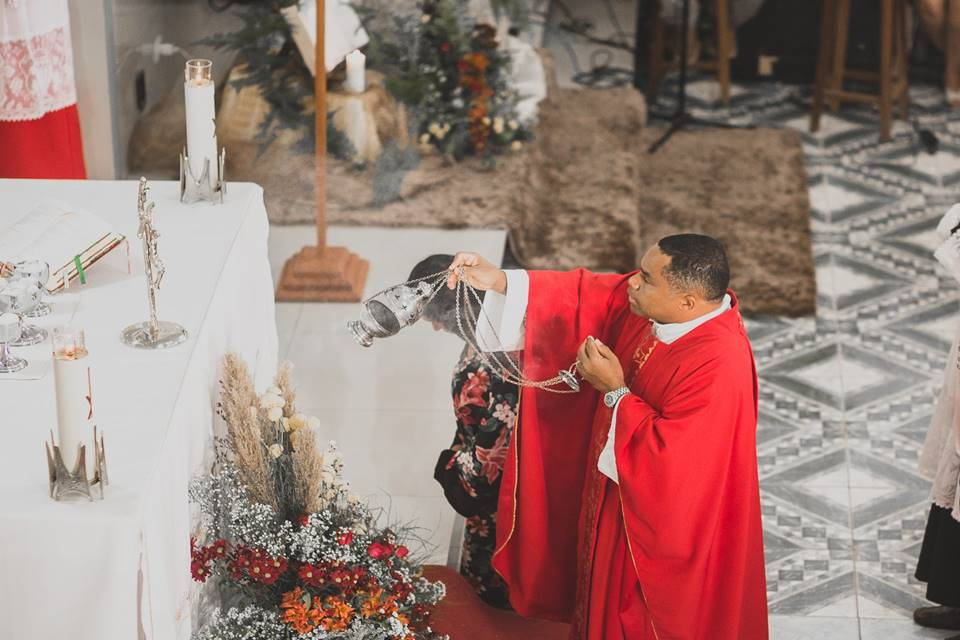 Padre é famoso em Brasília e é acusado de estupro (Foto: Reprodução)