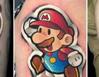 Tatuagens parecidas com adesivos e riqueza de detalhes viralizam na web